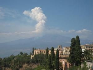 The Etna erupting